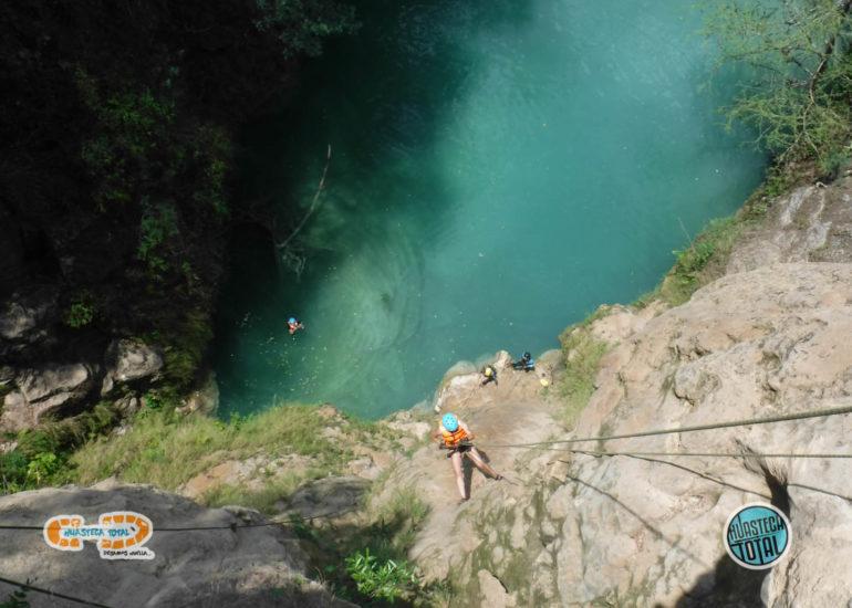 huastecatotal_turismo-aventura-mexico_rappel-en-minas-viejas-31