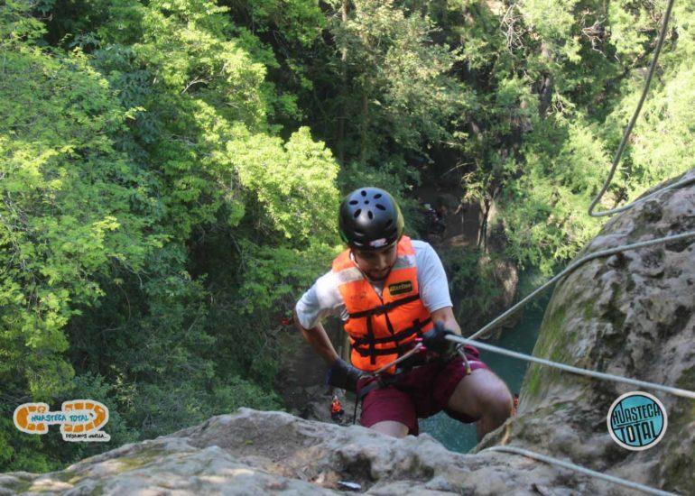huastecatotal_turismo-aventura-mexico_rappel-en-minas-viejas-34