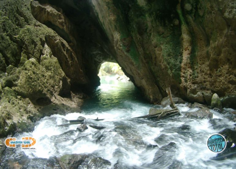 huastecatotal_turismo-mexico-ecoturismo_nacimiento-de-taninul-4