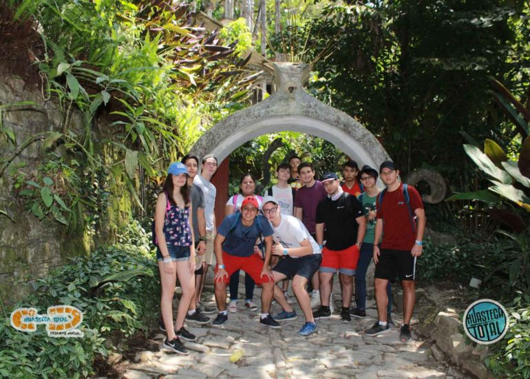 huastecatotal_turismo-mexico-ecoturismo_turismo_grupal12