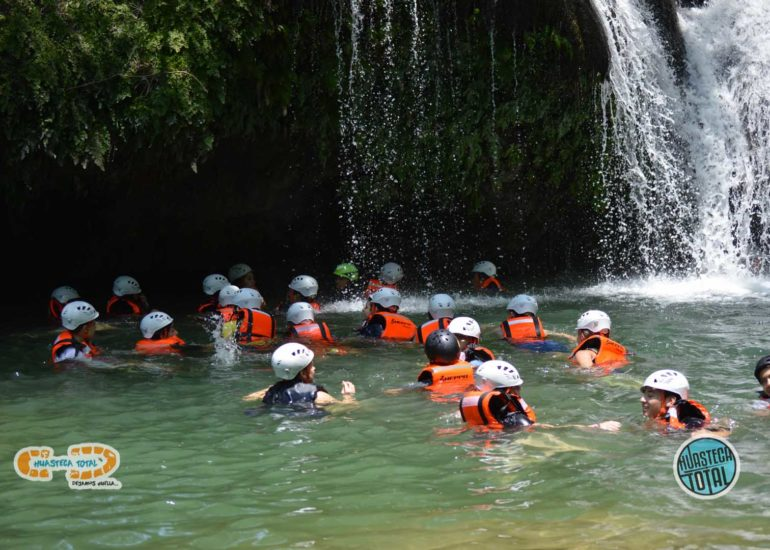 huastecatotal_turismo-mexico-ecoturismo_turismo_grupal23