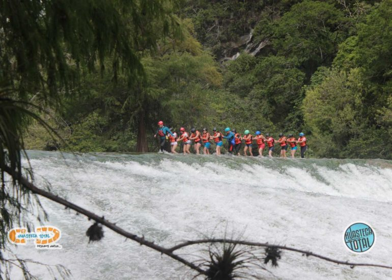 huastecatotal_turismo-mexico-ecoturismo_turismo_grupal5