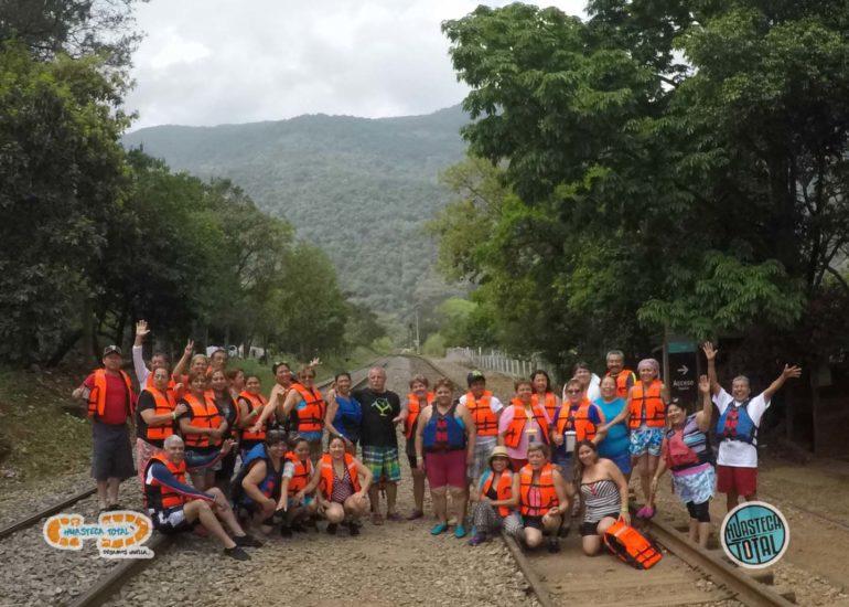huastecatotal_turismo-mexico-ecoturismo_turismo_grupal6